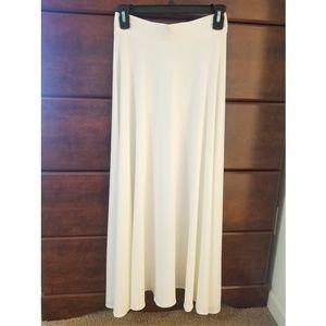 Dresses & Skirts - NWOT Maxi Skirt